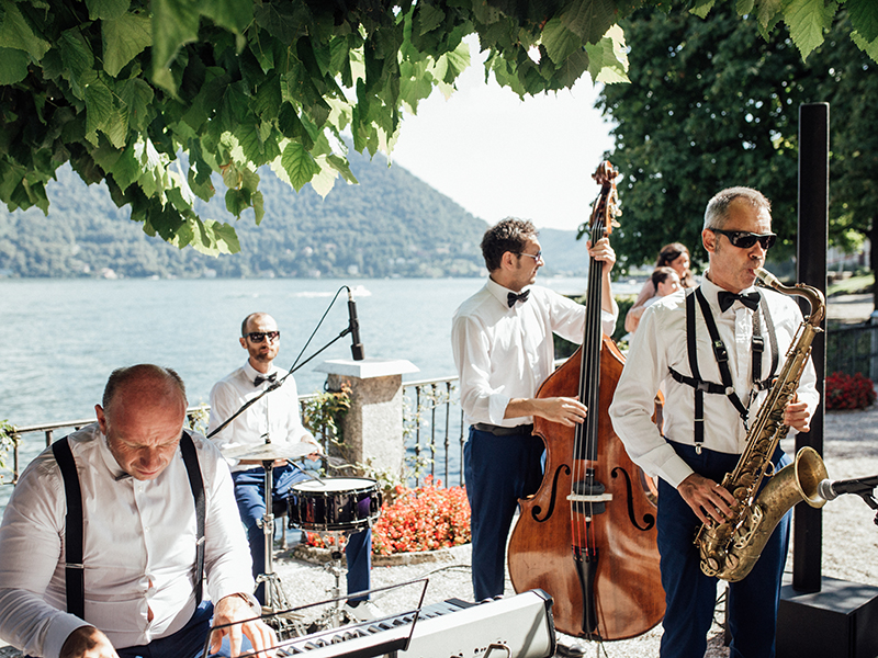 110 Wedding Entertainment Ideas You Can Use To Wow Your