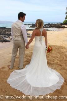 Img 7122 Affordable Barefoot Maui Wedding