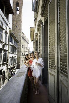 castle-wedding-tuscany-01