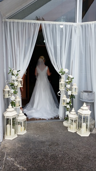 i do candle lighting show us how wedding decor is done