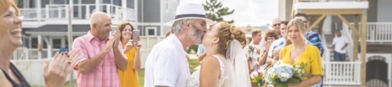 From last-minute elopements on the beach, to large ceremonies in one of the OBX's gorgeous local event venues, I want to help you get your Wedding Knots Tied!