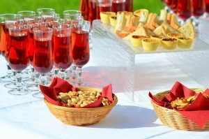 Tips To Having a Great Wedding Cocktail Hour