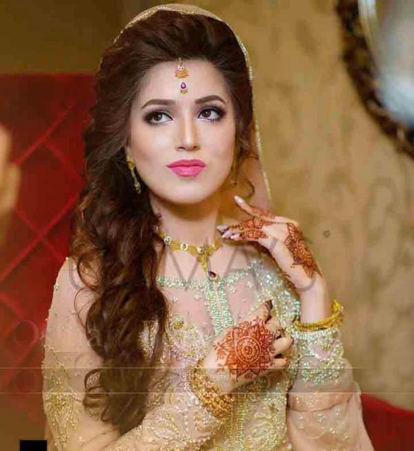 30 Curly Wedding Hairstyles Pakistani Hairstyles Ideas Walk The