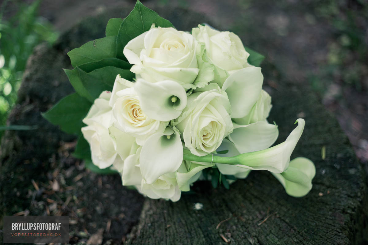 Why Choose Artificial Floral Foam Flowers for Weddings?