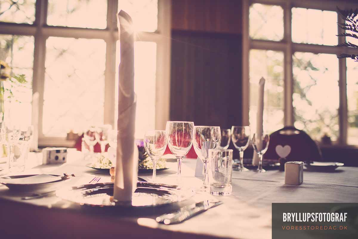 How Many Bottles of Wine for a Wedding Reception?