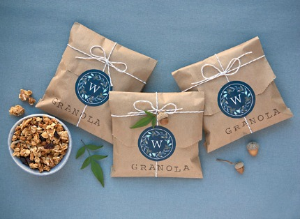 DIY Granola Wedding Favors via myownlabels.com