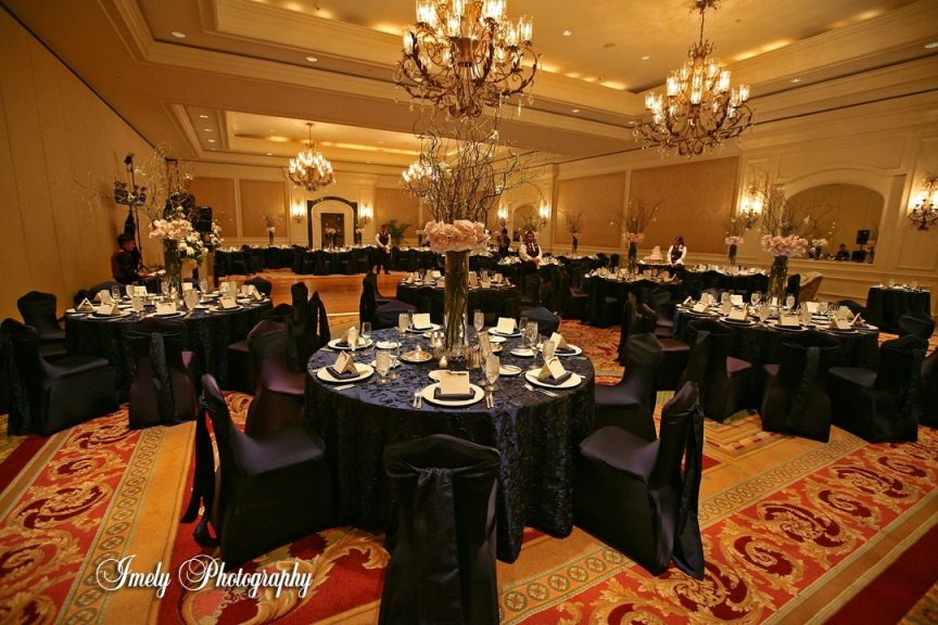 Wedding Flowers and Floral Centerpieces