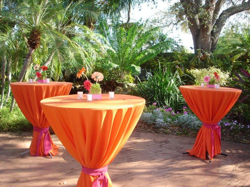 Sarasota Garden Club Wedding: Outdoor wedding flower arrangements