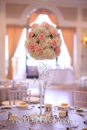 Elevated Table Centerpiece with Bling