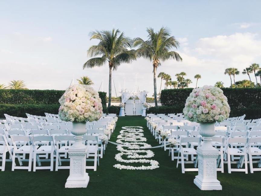 Ceremony on Lawn on Longboat Key Club