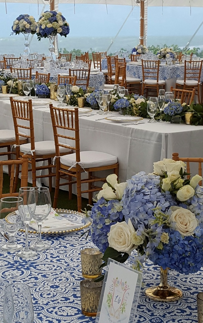 Head Feasting Table With Hi and Low Centerpieces
