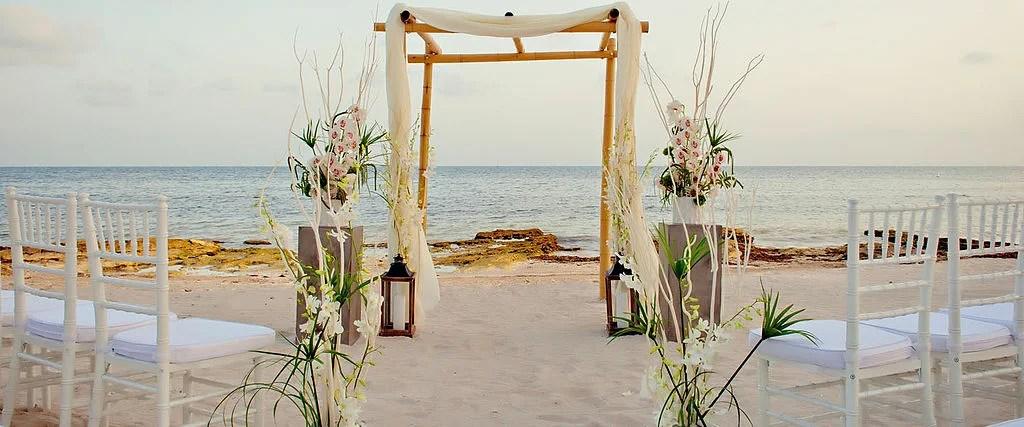 Decorating destination wedding on a budget