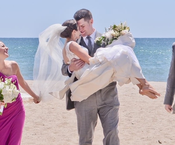 Pros & cons for weddings abroad