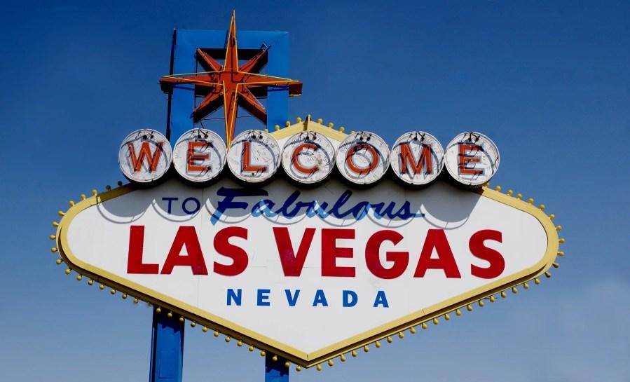 Take a gamble on tying the knot in Vegas - WeddingsAbroad.com