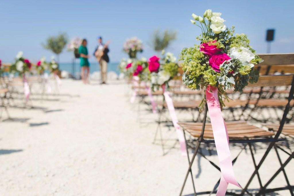 Pros Cons Destination Wedding - Wedding Advice Weddings Abroad WeddingsAbroad.com
