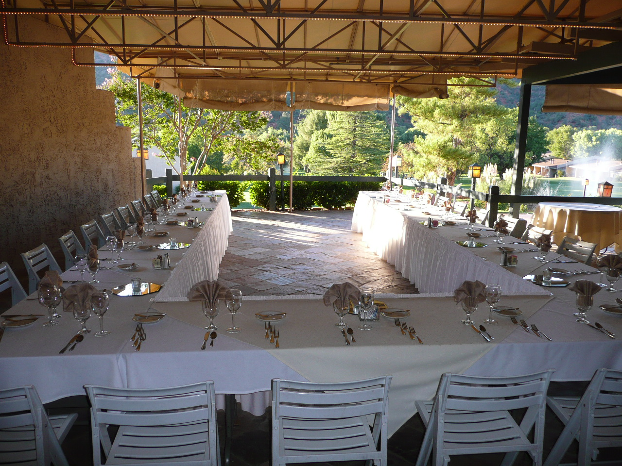 patio folding chairs padded dining room chair covers with buttons weddings at poco diablo resort in sedona | sedona, arizona