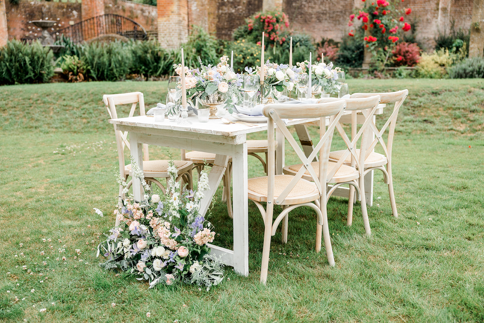 Summer garden table set up at Marden Park Mansion, learn how to style your wedding.
