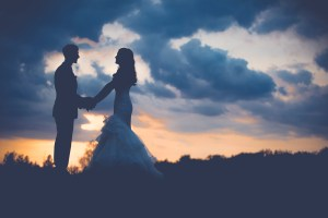 sunsetcouplewedding