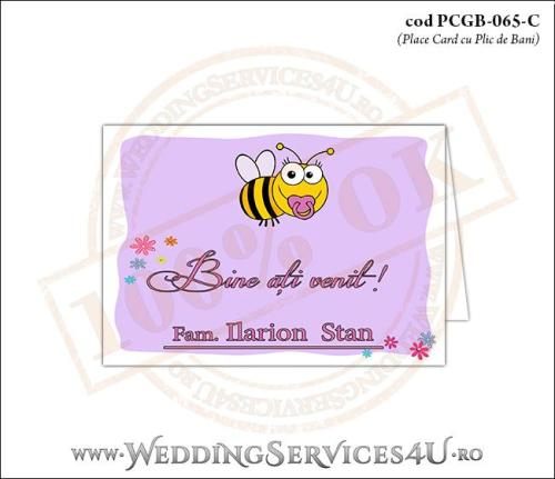 PCGB-065-C Place Card cu Plic de Bani sigilabil pentru Botez cu bebe albinuta si fundal mov-lila cu flori colorate