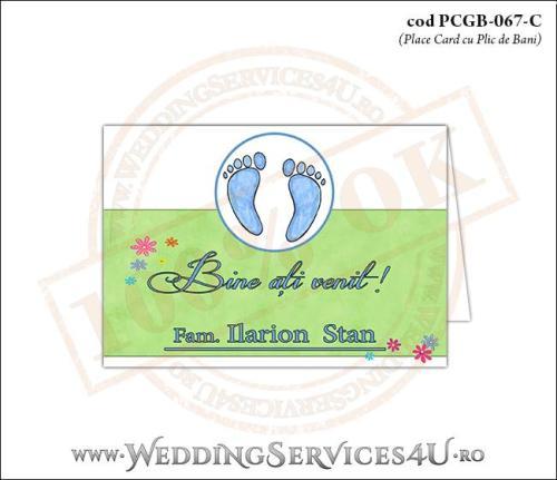 PCGB-067-C Place Card cu Plic de Bani sigilabil pentru Botez cu urme de pasi de copil si fundal cu 'gazon verde' si flori colorate