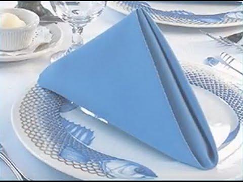 pyramid napkin fold