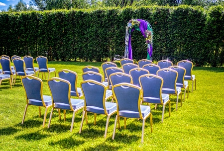 violet outdoor ceremony