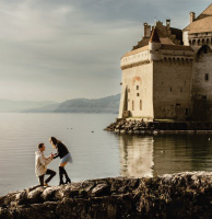 Marriage Proposal Ideas - Unsure how to propose Why not take a knee on the waterfront of a historic landmark