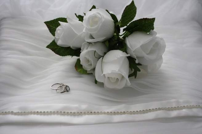 Accessories-For-Your-Destination-Wedding-Artificial-Rose-Flower-Bouquet
