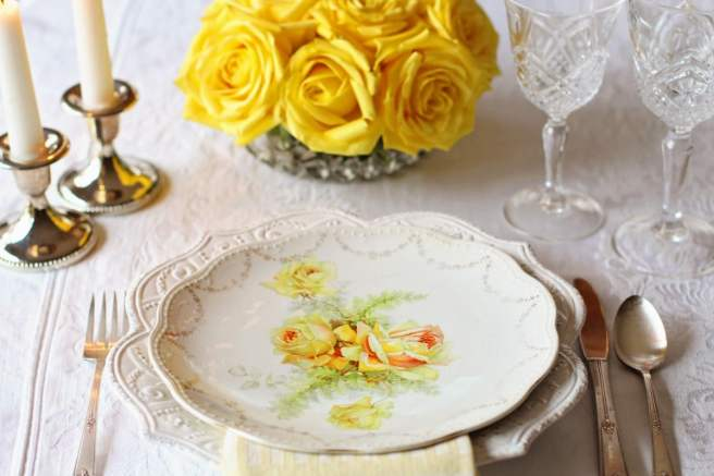 Planning a Vintage Wedding - vintage wedding decor