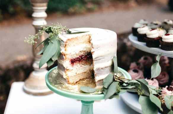 20 Unique Wedding Cake Ideas For Every Season Weddings
