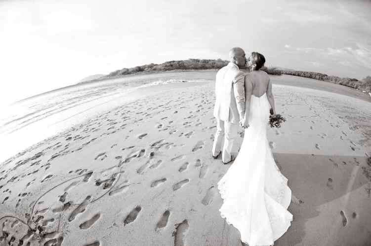 weddings-costa-rica-beach-bride
