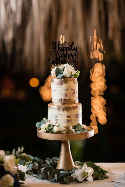 wedding-costa-rica-gold-cake