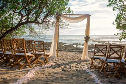 pink-wedding-arch-beach