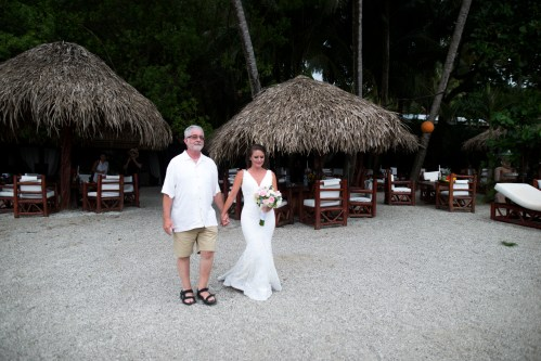 beach-wedding-bride-and-father