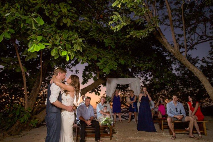 bride-groom-first-dance-costa-rica