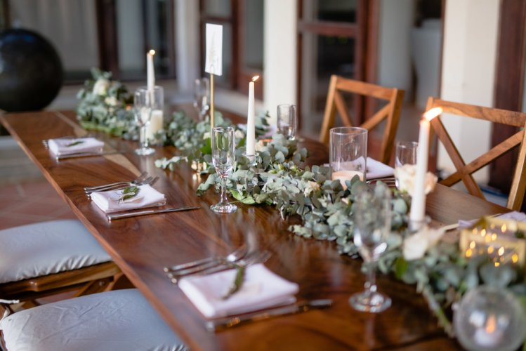 floral-garlands-wedding-reception