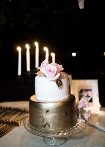 metallic-wedding-cake