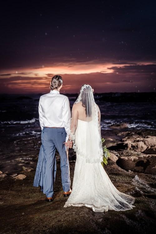 weddings-costa-rica-bride-groom-sunset