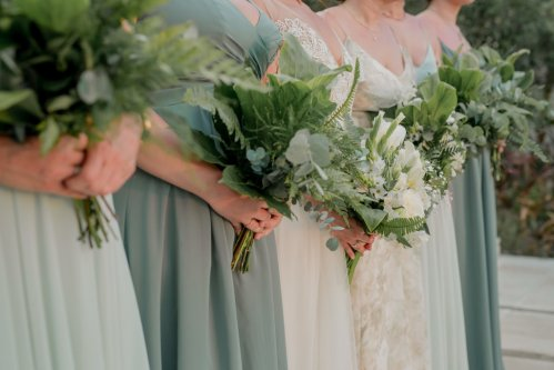 bridesmaid-bouquets-natural-greenery
