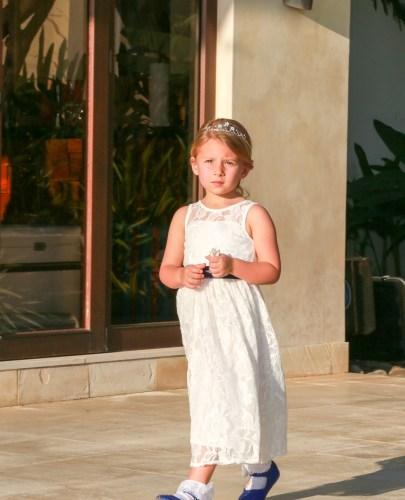 tamarindo-weddings-flower-girl