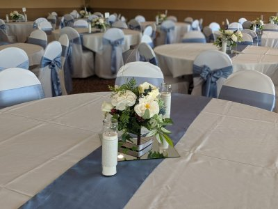Crystal Lake wedding blue table