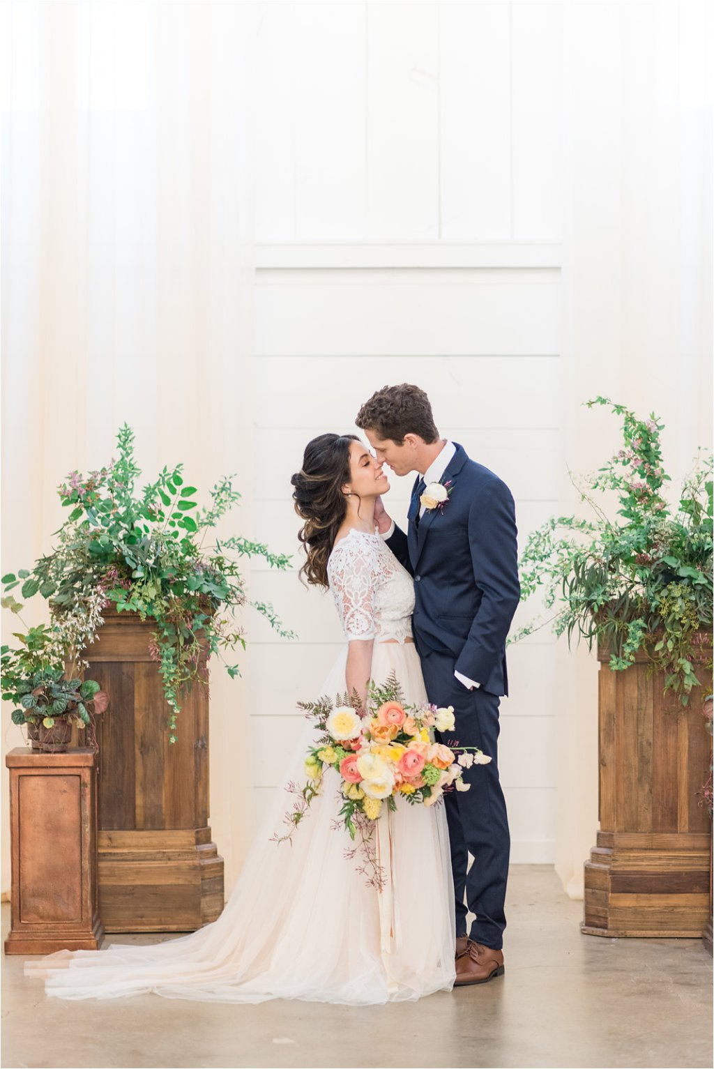 The Venue wedding ceremony by Lori Lynn Photography