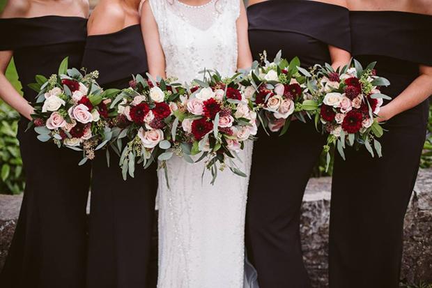 32 Beautiful Winter Wedding Bouquets