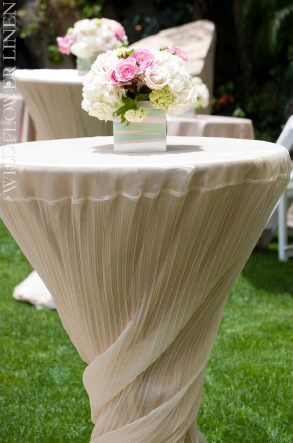 wedding cocktail table centerpiece