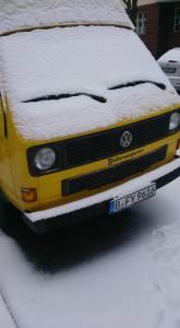 Der gestohlene Bus an der Straße