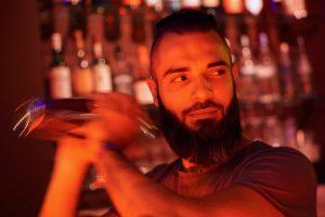 Bakri zapft in Flop Bar