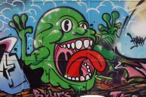 Grafiti eines grünen Monsters. Foto Andrei Schnell.