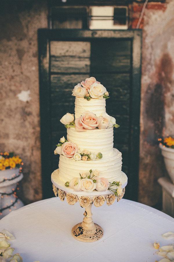 Un matrimonio rocknroll dai colori pastello