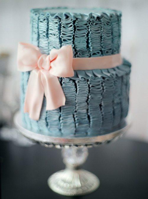 Текстурный торт с элегантным бантом от Mr. Desertus. Автор фото: Макс Колибердин; свадьба Дениса и Насти