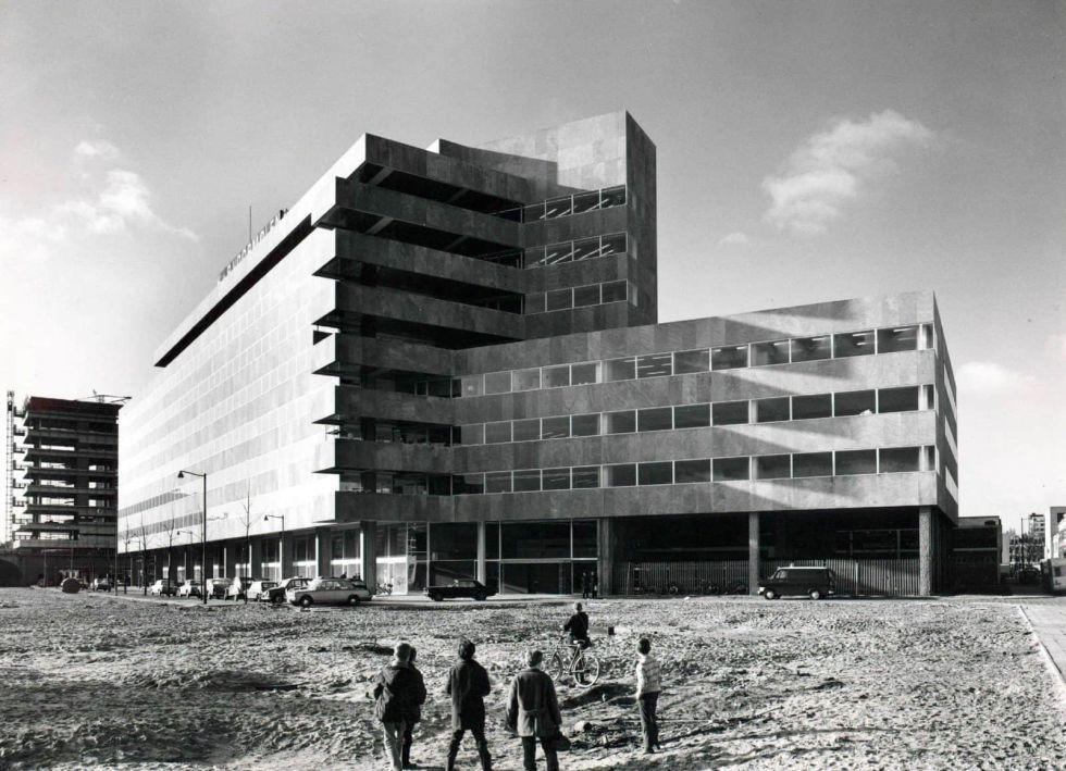 Katshoek multi-tenant building on Heer Bokelweg.